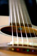 Gitarre liegt